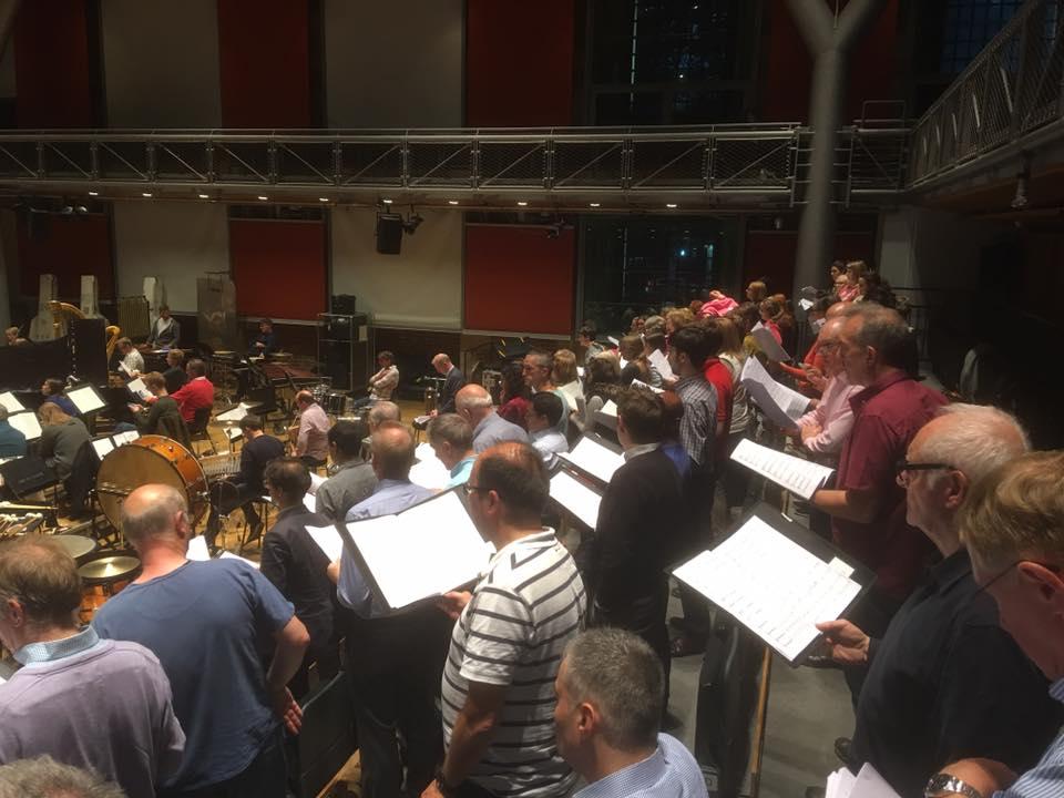 Le London Symphony Chorus en répétition à LSO St Luke's